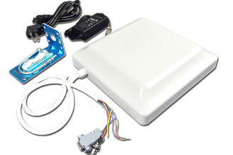 China 6M Mid Range RFID Reader With Built - In 8dbi Circular Polarization Antenna supplier