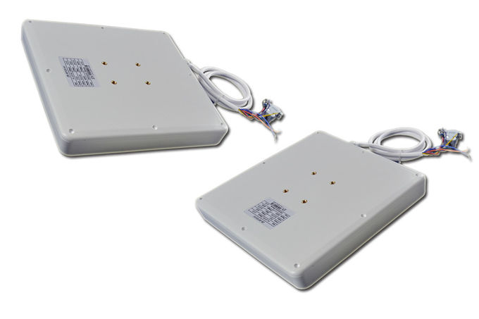 Outdoor UHF RFID Reader , Wireless RFID Readers for Truck Auto Access Control